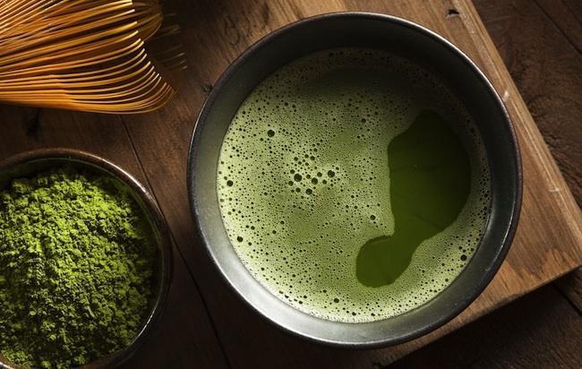 Mối nguy hiểm khi uống quá nhiều trà xanh - Ảnh 1.