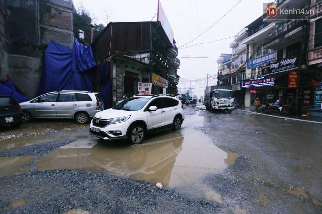 Chùm ảnh: Những con đường xuống cấp trầm trọng giữa thiên đường du lịch Sa Pa - Ảnh 11.