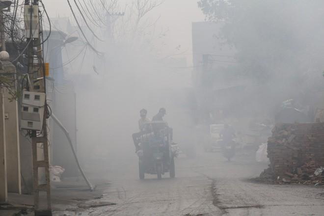 Ám ảnh bãi phế liệu kín cả cánh đồng tại nơi xảy ra vụ nổ ở Bắc Ninh - Ảnh 11.