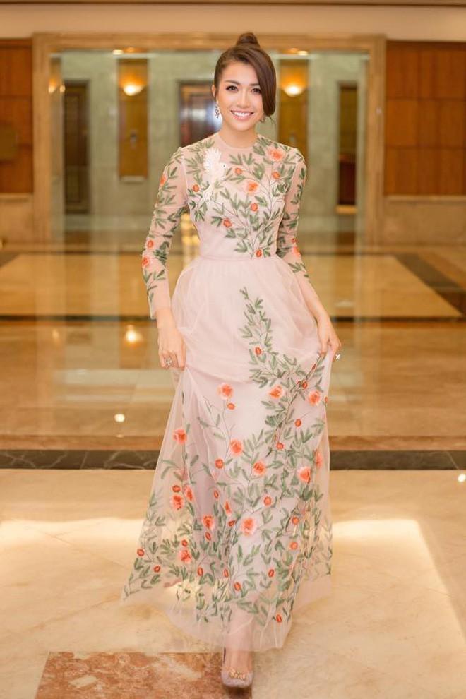 Đại chiến stylist: Chê HHen Niê mặc xấu, cựu stylist của Phạm Hương bị ekip tân Hoa hậu vỗ mặt - Ảnh 11.