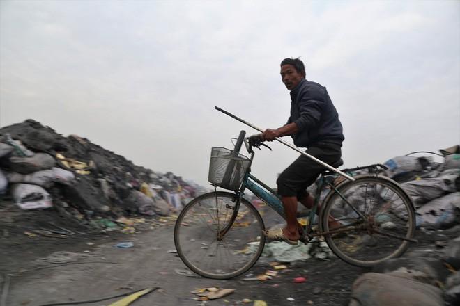 Ám ảnh bãi phế liệu kín cả cánh đồng tại nơi xảy ra vụ nổ ở Bắc Ninh - Ảnh 12.