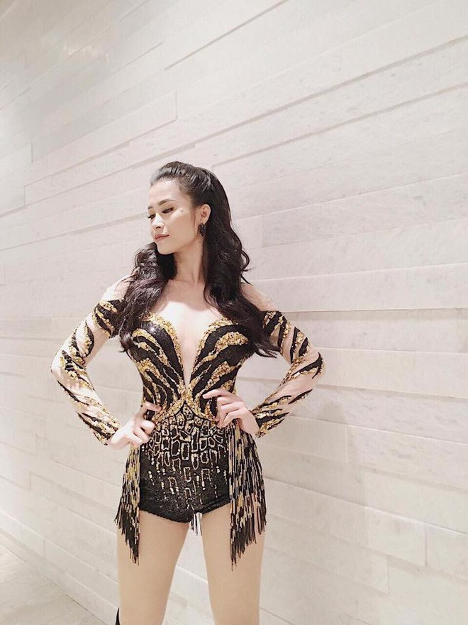Đại chiến stylist: Chê HHen Niê mặc xấu, cựu stylist của Phạm Hương bị ekip tân Hoa hậu vỗ mặt - Ảnh 14.