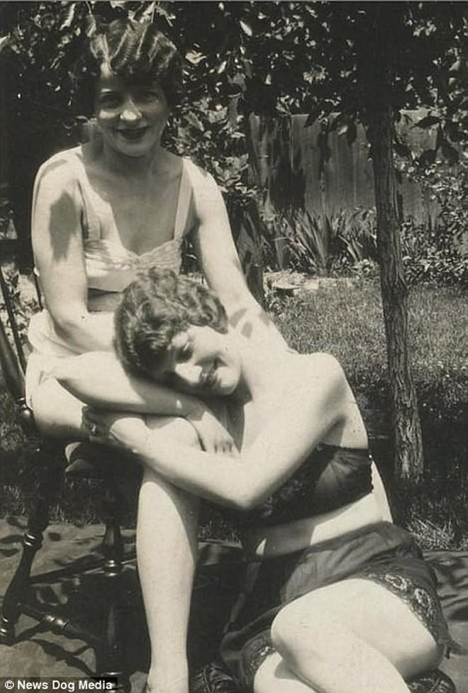 Chuyện kể qua ảnh: những chuyện tình đồng tính nữ phi thường vào thế kỷ 19 - 20 - Ảnh 15.
