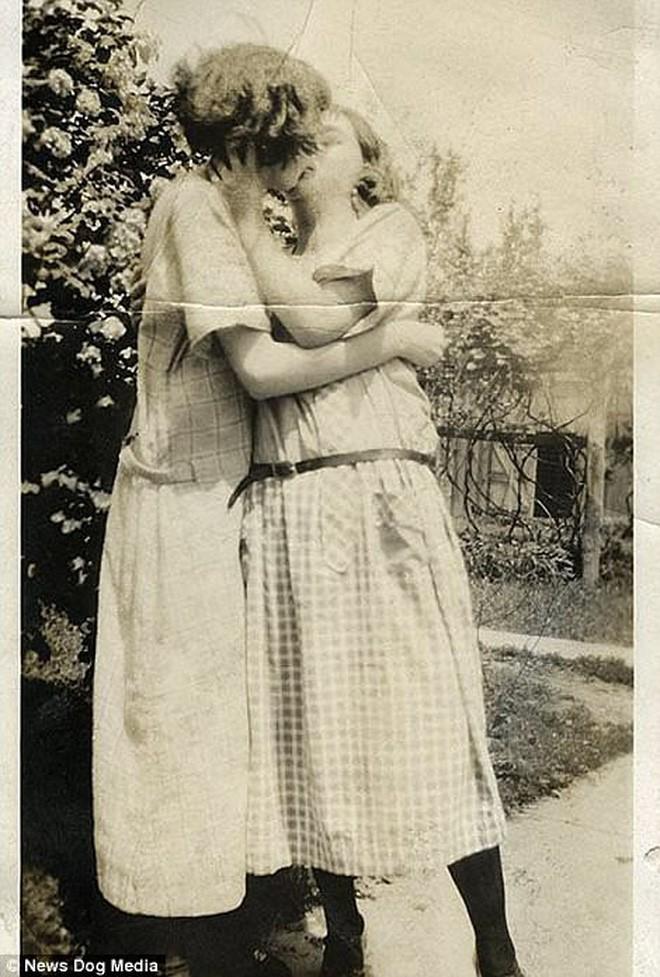 Chuyện kể qua ảnh: những chuyện tình đồng tính nữ phi thường vào thế kỷ 19 - 20 - Ảnh 16.