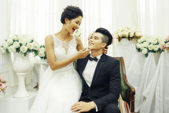 Thực hư thông tin Tân Hoa hậu Hoàn vũ HHen Niê đã kết hôn cùng bạn trai lâu năm - Ảnh 3.