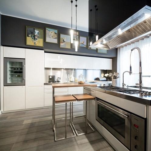 Ấn tượng với căn hộ kết hợp màu sắc trắng đen - Ảnh 3.