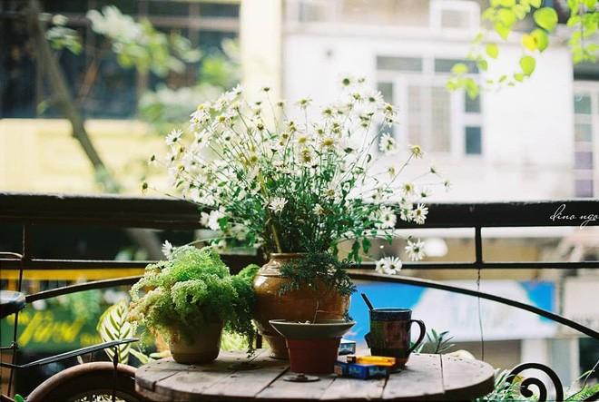 Tránh rét trong những ngày Hà Nội lạnh chết đi được ở 4 quán cafe rất xinh - Ảnh 25.