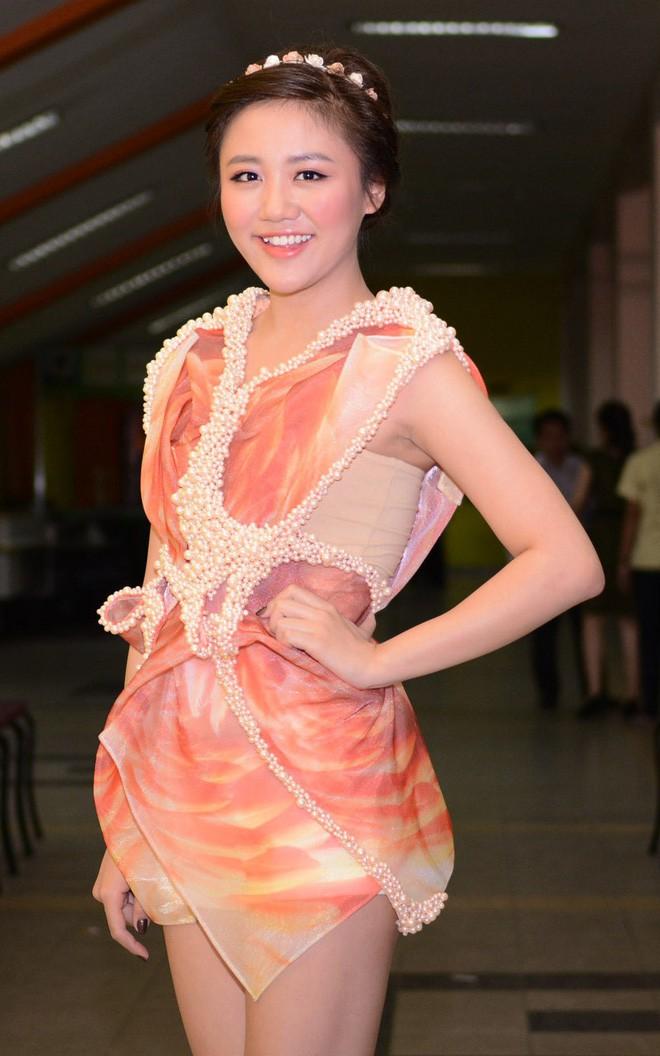 Đại chiến stylist: Chê HHen Niê mặc xấu, cựu stylist của Phạm Hương bị ekip tân Hoa hậu vỗ mặt - Ảnh 26.