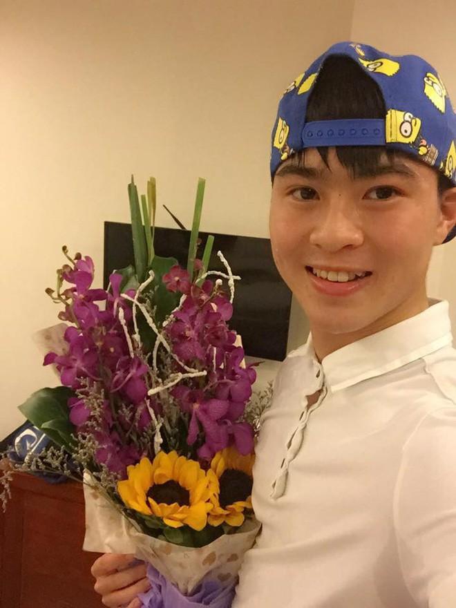 Quên các oppa Hàn Quốc đi, phong cách khỏe khoắn của các soái ca U23 Việt Nam đang khiến các chị em truỵ tim - Ảnh 29.