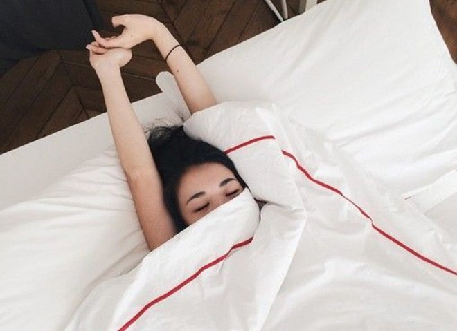 Điểm mặt những thói quen ngủ sai lầm trong mùa đông gây hại tới sức khỏe - Ảnh 4.