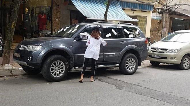 Chọn chỗ đỗ ô tô kiểu trêu ngươi, chủ xe nhận hình phạt nhìn qua cũng thấy ngán ngẩm - Ảnh 5.