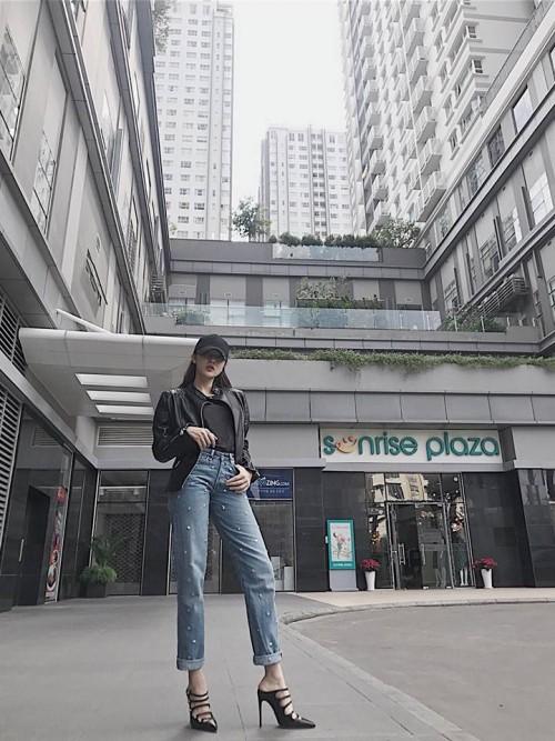 Kỳ Duyên, Bảo Anh rủ nhau diện giày Gucci, Minh Hằng sành điệu với sneaker đắt đỏ - Ảnh 4.