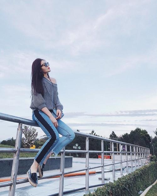 Phạm Hương, Kỳ Duyên đã cất giày cao vời vợi vào tủ… để tậu mốt giày Selena Gomez mê mẩn - Ảnh 4.