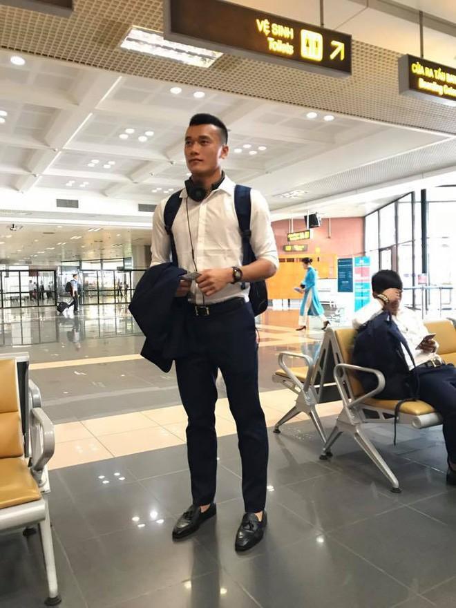 Quên các oppa Hàn Quốc đi, phong cách khỏe khoắn của các soái ca U23 Việt Nam đang khiến các chị em truỵ tim - Ảnh 4.