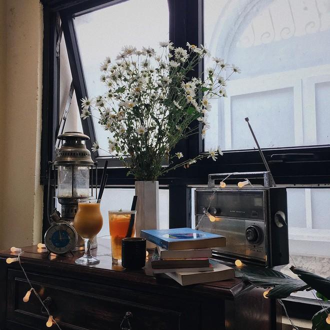 Tránh rét trong những ngày Hà Nội lạnh chết đi được ở 4 quán cafe rất xinh - Ảnh 39.