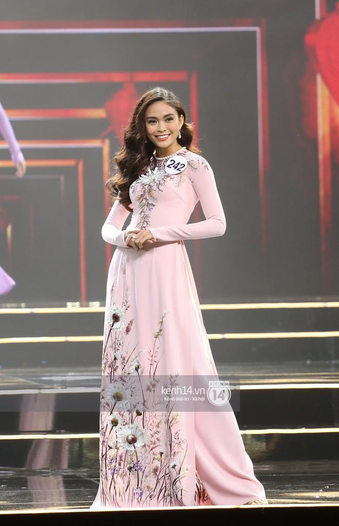 Áo dài đêm chung kết HHHV: Xem mà cứ ngỡ nhầm phải cuộc thi Hoa hậu nào năm xưa - Ảnh 5.