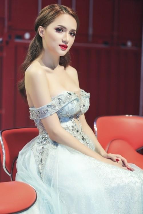 Hương Giang Idol: Mỹ nhân chuyển giới có gout thời trang nóng bỏng nhất Showbiz Việt - Ảnh 5.