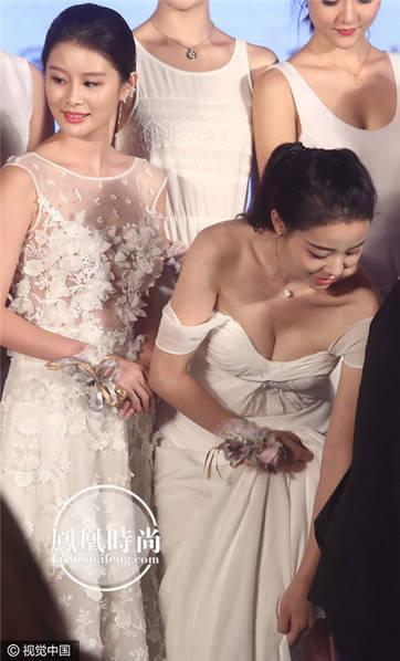 1000 mỹ nữ lưng trần nuột nà tắm suối gây mê mẩn trong phim chiếu Tết - Ảnh 5.