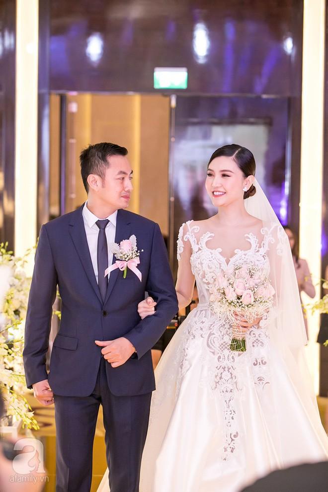 Hành trình hạnh phúc của mỹ nữ Vũng Tàu Ngọc Duyên: Từ con gái người bán vé số đến vợ đại gia Hà thành - Ảnh 25.