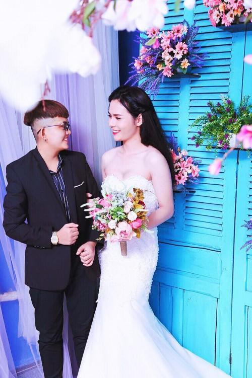 Bộ ảnh cưới 'chụp trước, cưới sau' của cặp đôi hoán đổi giới tính cho nhau - Ảnh 5.