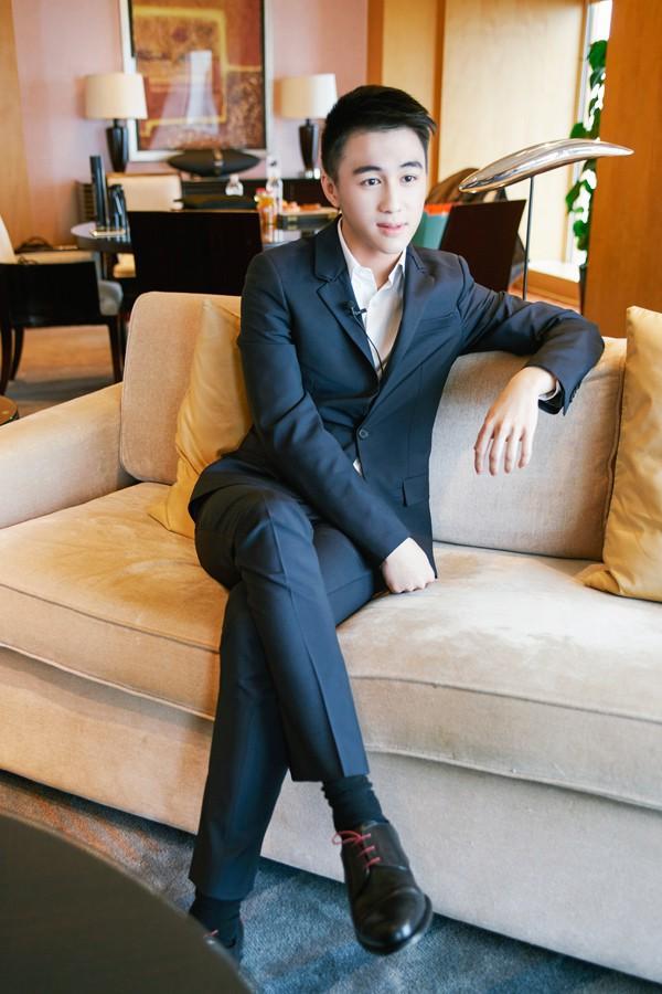 Muốn biết phong cách soái ca là như thế nào, bạn hãy nhìn vào bạn trai tin đồn của siêu mẫu Ming Xi - Ảnh 5.