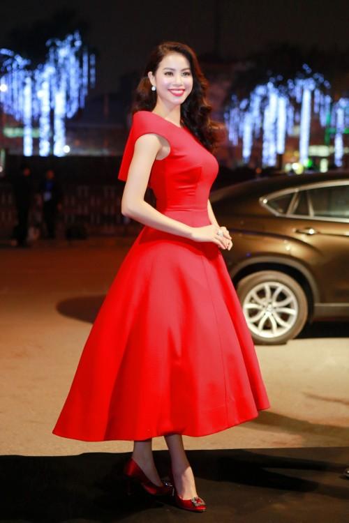 Đến cả những chiếc váy cũng xuất hiện phiên bản 'song sinh', giống hàng 'tái chế' đến 99% - Ảnh 7.