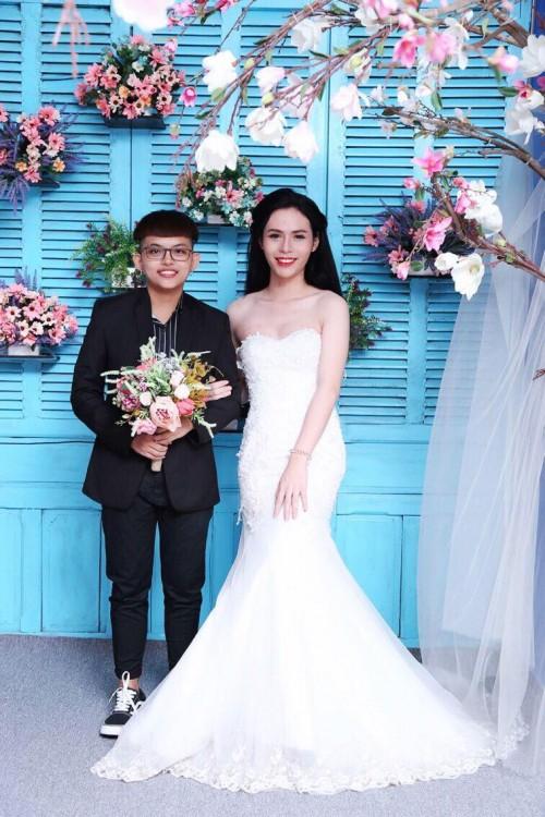 Bộ ảnh cưới 'chụp trước, cưới sau' của cặp đôi hoán đổi giới tính cho nhau - Ảnh 7.