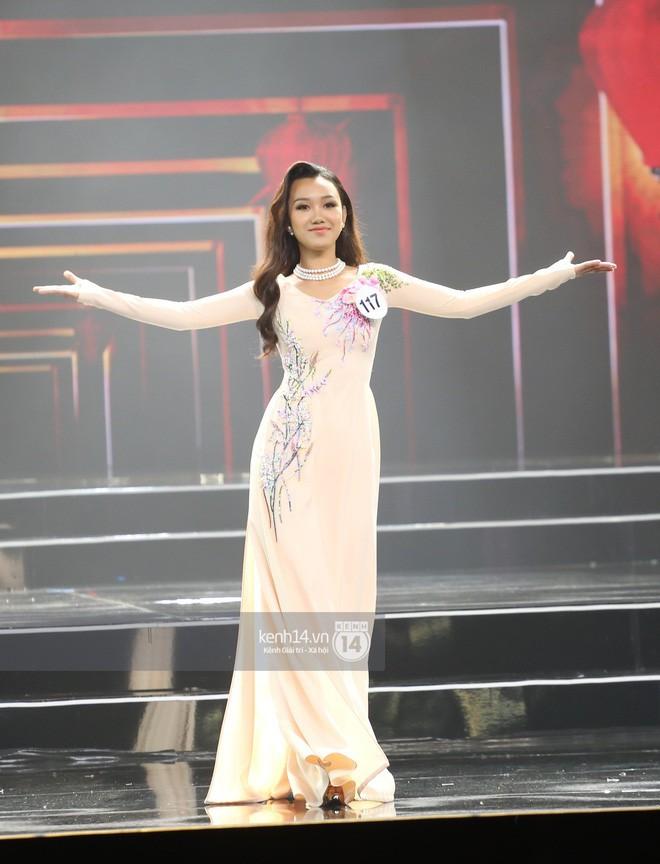 Áo dài đêm chung kết HHHV: Xem mà cứ ngỡ nhầm phải cuộc thi Hoa hậu nào năm xưa - Ảnh 9.