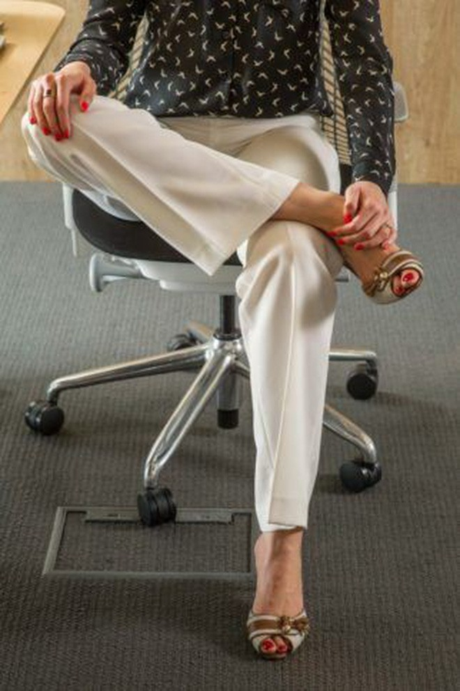 Dân văn phòng ngồi nhiều luôn đối mặt với tình trạng đau lưng khó chịu và đây là cách giải quyết hiệu quả - Ảnh 9.