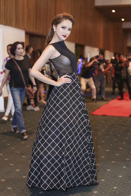 Hương Giang Idol: Mỹ nhân chuyển giới có gout thời trang nóng bỏng nhất Showbiz Việt - Ảnh 9.
