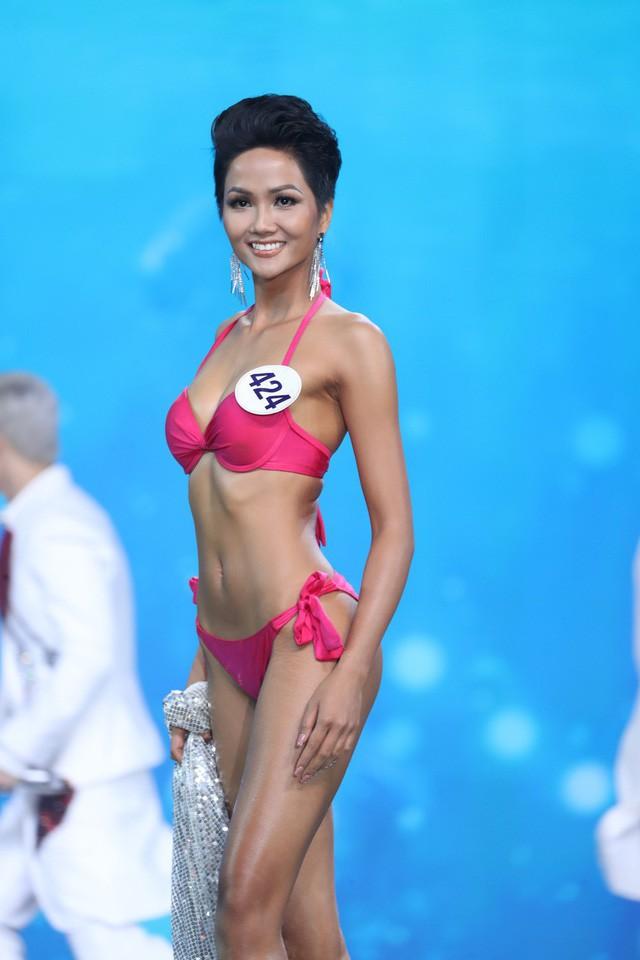 Body của HHen Niê từ Next Top đến Hoa hậu: Dậy thì thành công! - Ảnh 9.