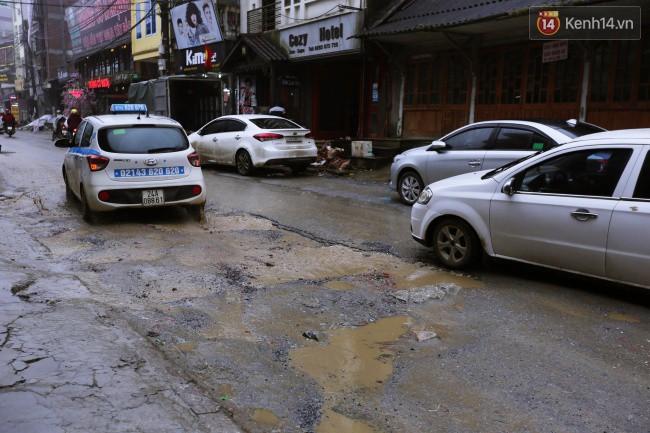 Chùm ảnh: Những con đường xuống cấp trầm trọng giữa thiên đường du lịch Sa Pa - Ảnh 9.