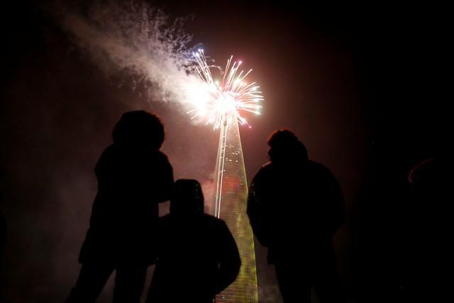 Thế giới rực rỡ chào đón năm mới 2018, châu Âu siết chặt an ninh tại những điểm nóng - Ảnh 10.