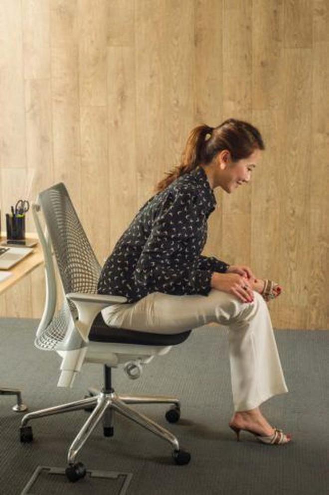 Dân văn phòng ngồi nhiều luôn đối mặt với tình trạng đau lưng khó chịu và đây là cách giải quyết hiệu quả - Ảnh 10.