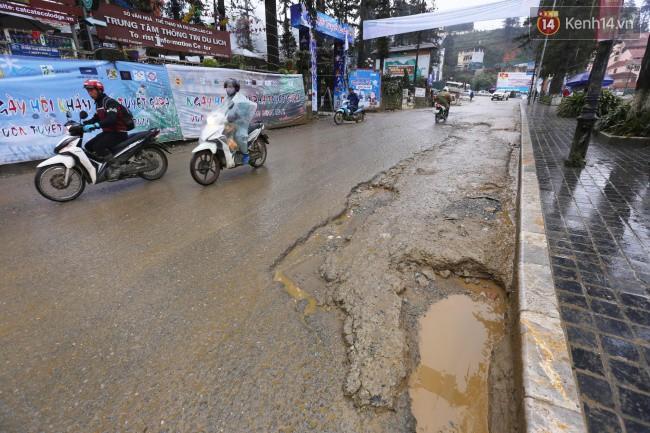 Chùm ảnh: Những con đường xuống cấp trầm trọng giữa thiên đường du lịch Sa Pa - Ảnh 10.