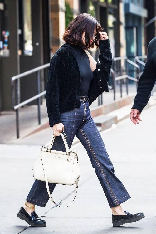 Phạm Hương, Kỳ Duyên đã cất giày cao vời vợi vào tủ… để tậu mốt giày Selena Gomez mê mẩn - Ảnh 10.