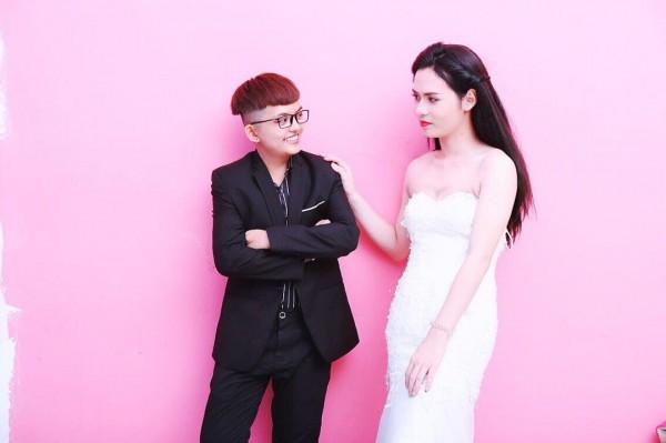 Bộ ảnh cưới 'chụp trước, cưới sau' của cặp đôi hoán đổi giới tính cho nhau - Ảnh 10.