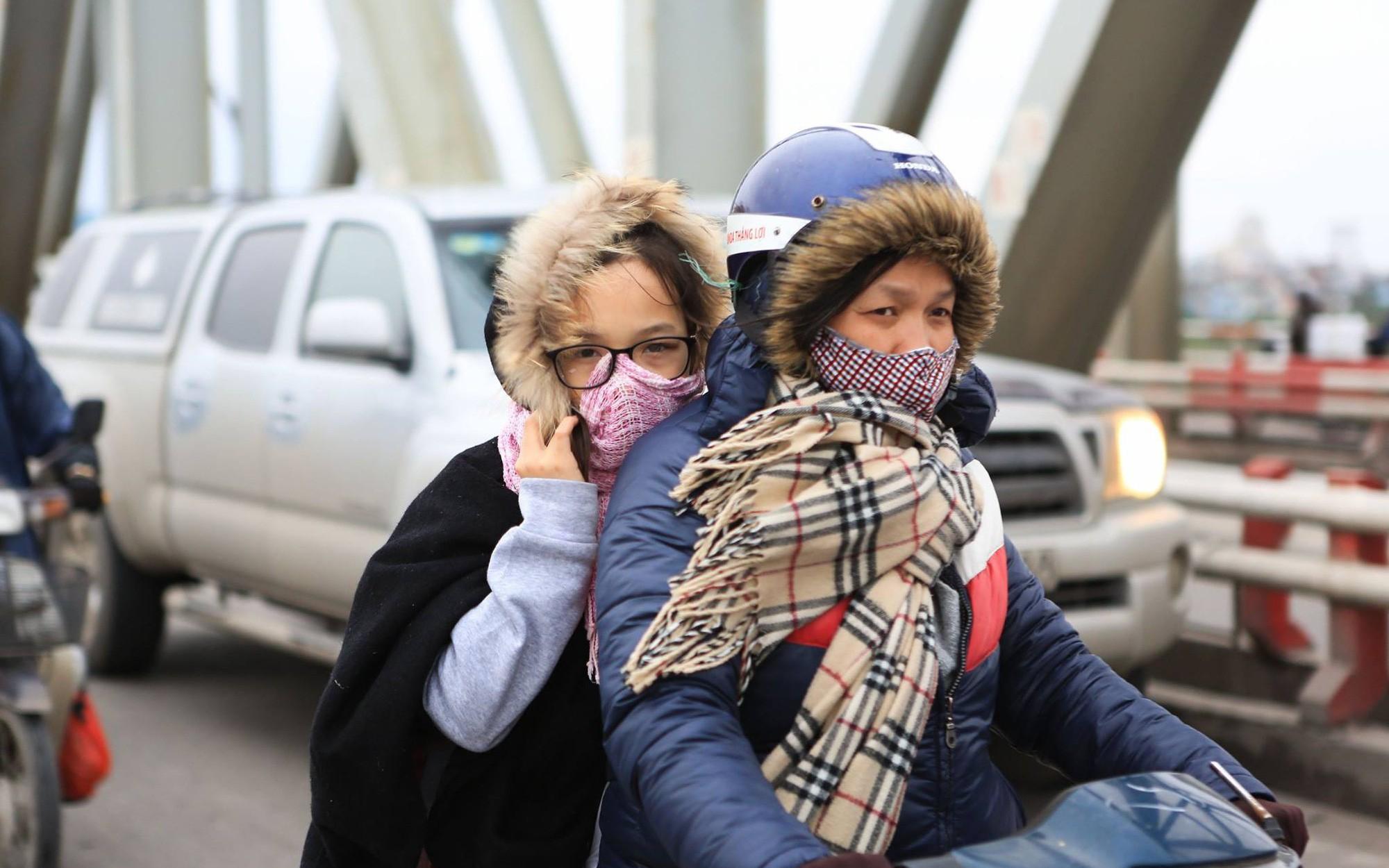 Miền Bắc rét đậm rét hại, Hà Nội nhiệt độ giảm mạnh chỉ còn 9 độ, Fansipan xuống 0 độ nguy cơ xuất hiện băng tuyết
