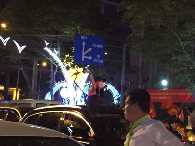 Sao Việt và muôn kiểu lên đồ đi bão sau chiến thắng của U23 Việt Nam - Ảnh 7.