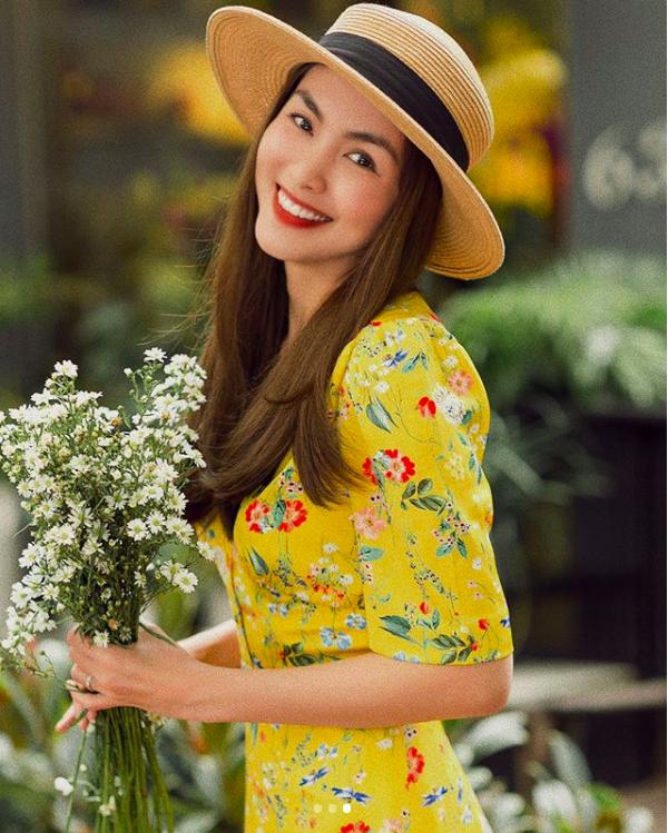 Trước khi vướng nghi vấn mang bầu lần 3, Hà Tăng đẹp rạng ngời diện váy hoa dạo phố - Ảnh 4.