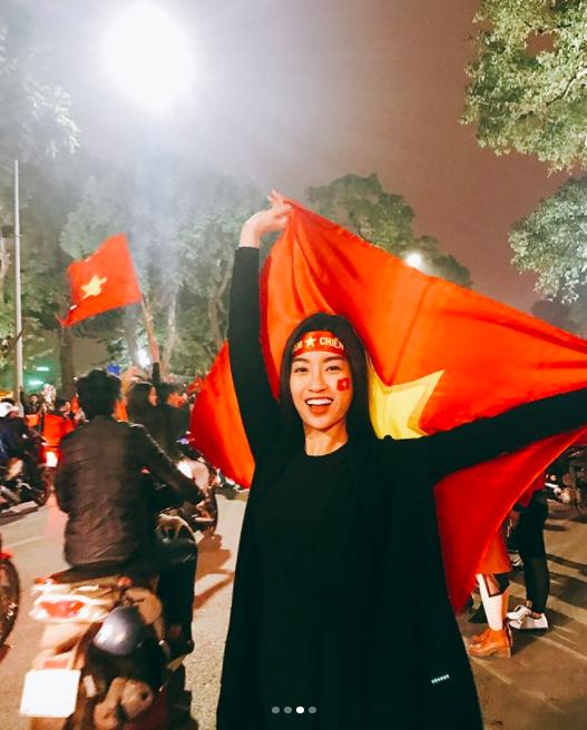 Sao Việt và muôn kiểu lên đồ đi bão sau chiến thắng của U23 Việt Nam - Ảnh 1.
