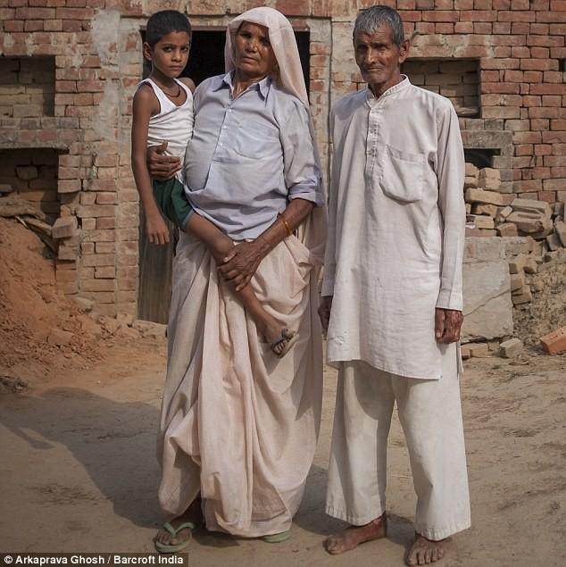 Đã có 2 con, 5 cháu, cụ bà 70 tuổi này vẫn có thể mang thai và sinh 1 cặp song sinh - Ảnh 6.