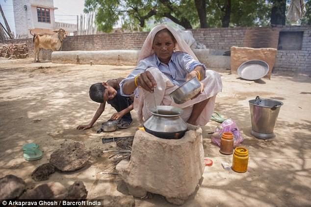 Đã có 2 con, 5 cháu, cụ bà 70 tuổi này vẫn có thể mang thai và sinh 1 cặp song sinh - Ảnh 7.