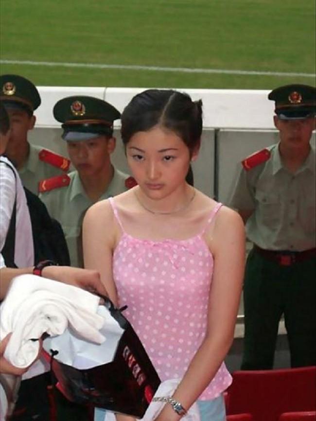 Mối tình đầu đầy tội lỗi của nữ tử tù xinh đẹp nhất Trung Quốc, bị bắt rồi vẫn quyết không khai ra tên người yêu - Ảnh 1.
