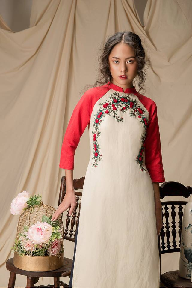 Còn đúng 1 tháng nữa là Tết, và đây là 7 mẫu áo dài cách tân đẹp duyên nhất cho nàng diện trong Tết này - Ảnh 32.