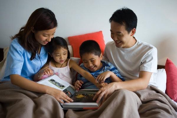 Trước khi quyết định sinh con thứ, các mẹ phải cân nhắc đến ảnh hưởng tiêu cực này - Ảnh 2.