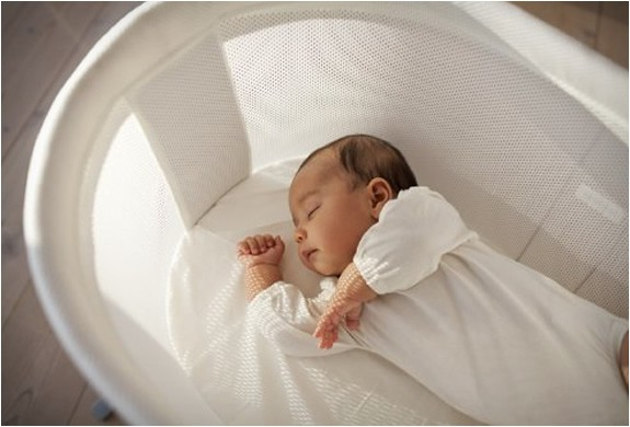 Một số cách đơn giản để tập cho trẻ sơ sinh ngủ một mình trong cũi từ khi mới lọt lòng - Ảnh 4.