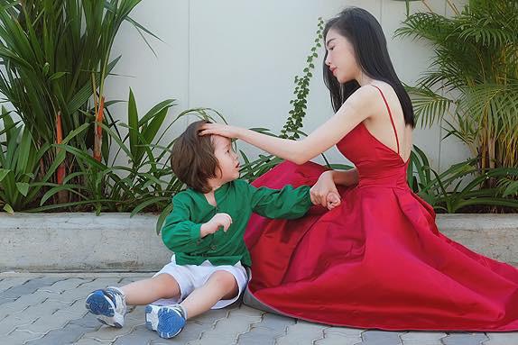Chồng Tây vừa bị lộ danh tính, Elly Trần lại tiết lộ câu chuyện gia đình đầy bất ngờ - Ảnh 8.