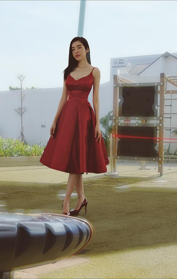 Chồng Tây vừa bị lộ danh tính, Elly Trần lại tiết lộ câu chuyện gia đình đầy bất ngờ - Ảnh 1.