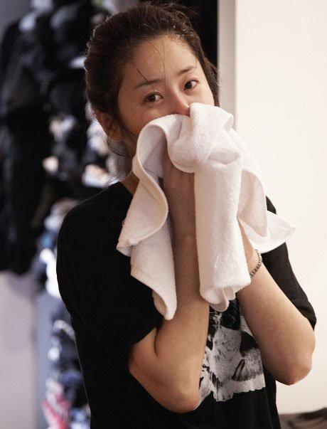 90% chị em đều mắc phải sai lầm tai hại này khi rửa mặt mà chẳng hề hay biết - Ảnh 2.